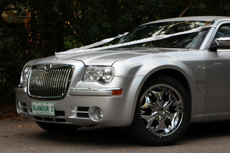 "20"" chrome rims on chrysler 300c super stretch limousine perth"