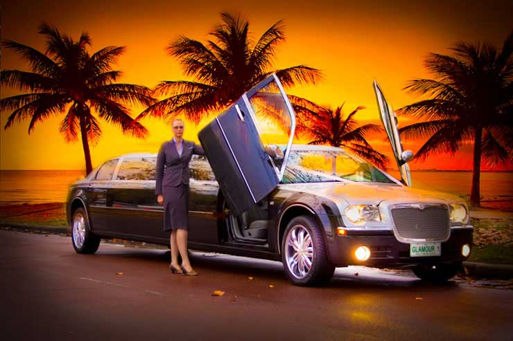 CHRYSLER LIMO FOR WEDDINGS SCHOOL BALLS BIRTHDAYS