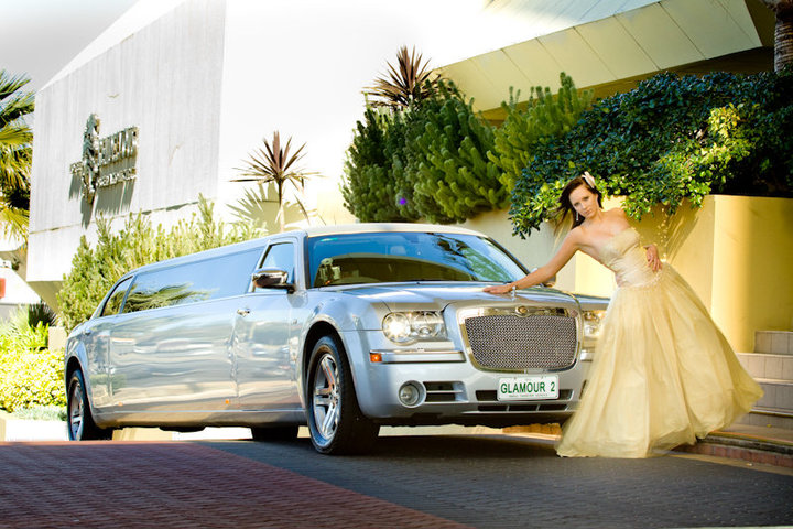 glamour school ball, Hyatt school ball limo, Chrysler 300c Limo image